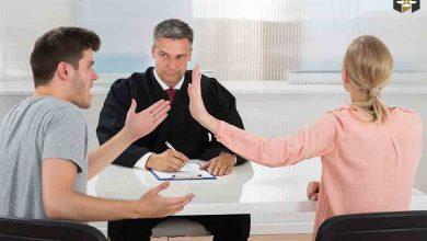وکیل طلاق پونک در حال گفتگو با موکل